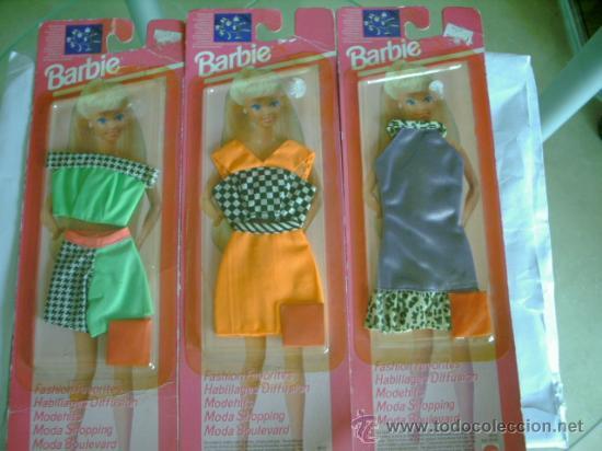 LOTE DE TRES VESTIDOS DE BARBIE (Juguetes - Muñeca Extranjera Moderna - Barbie y Ken - Vestidos y Accesorios)