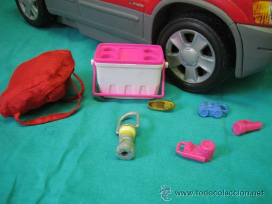 Barbie y Ken: Muñeca Barbie con coche - Foto 2 - 56859650