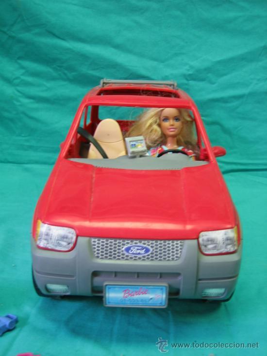 Barbie y Ken: Muñeca Barbie con coche - Foto 3 - 56859650