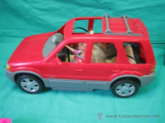 Barbie y Ken: Muñeca Barbie con coche - Foto 4 - 56859650