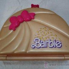 Barbie y Ken: MALETÍN PARA MUÑECAS BARBIE CON ACCESORIOS - FABRICADO POR MATTEL. Lote 33343145