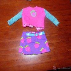 Barbie y Ken: CONJUNTO CAMISETA Y FALDA BARBIE. Lote 40942123