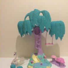 Barbie y Ken: PARQUE, ÁRBOL, COLUMPIO BARBIE EL LAGO DE LOS CISNES. Lote 44685724