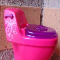 Barbie y Ken: ACCESORIOS BARBIE ORIGINAL MATTEL 2008, WC, WATER. Lote 52690388