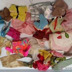 Barbie y Ken: SURTIDO DE ROPA BARBIE - ENVÍO GRATIS A ESPAÑA. Lote 49706022