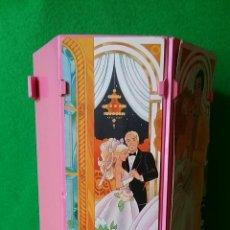 Barbie y Ken: BARBIE ARMARO PLEGABLE ITALY 1984. Lote 87354178