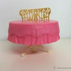 Barbie y Ken: MESA SOFÁ BARBIE. Lote 50614422