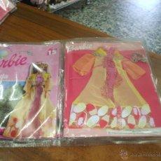 Barbie y Ken: VESTIDO COLECCION BARBIE VIAJA POR EL MUNDO ,ES EL MODELO IRLANDA ,AÑO 2000 ESTA NUEVO EN SU BLISTER. Lote 50626263