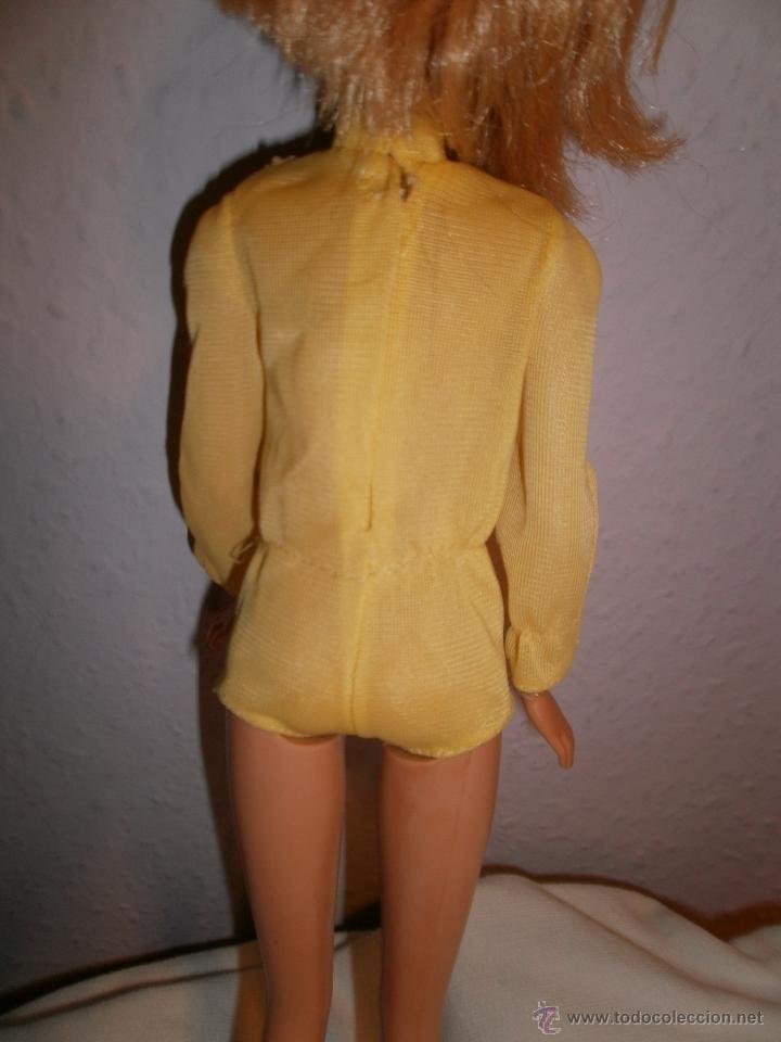 Barbie y Ken: Mono de pantalón corto amarillo para Barbie vintage - Foto 2 - 52957649