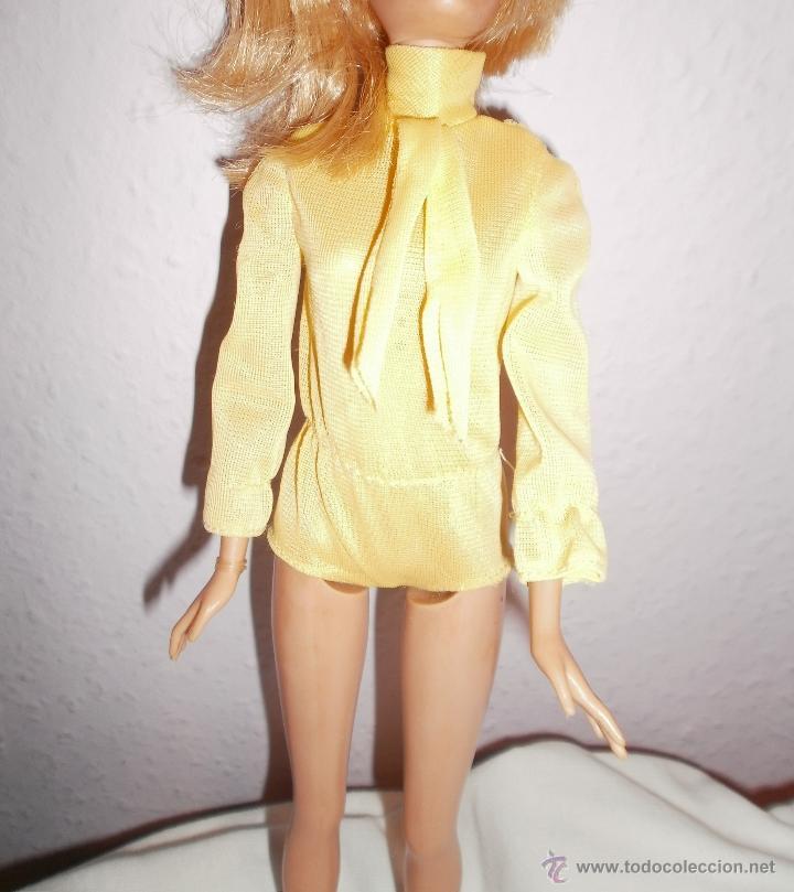 Barbie y Ken: Mono de pantalón corto amarillo para Barbie vintage - Foto 3 - 52957649