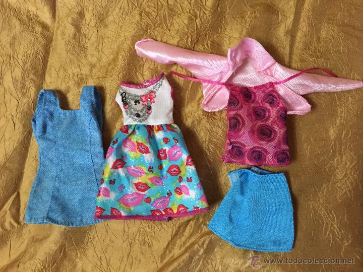 LOTE DE ROPITA PARA BARBIE O SIMILAR (Juguetes - Muñeca Extranjera Moderna - Barbie y Ken - Vestidos y Accesorios)