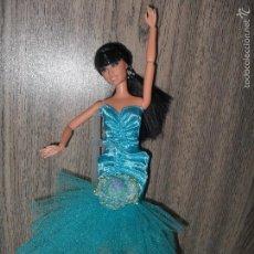 Barbie y Ken: VESTIDO DE NOCHE FIESTA BARBIE MUÑECA MOD B ROPA, NUEVO. Lote 194245916