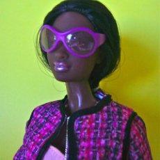 Barbie y Ken: BARBIE MATTEL SO IN STYLE CHANDRA BABY PHAT 2012 CONJUNTO ORIGINAL TIPO CHANEL - MUÑECA NO INCLUIDA. Lote 61622724