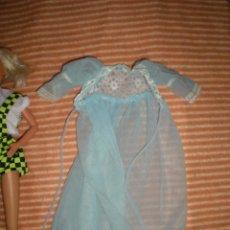 Barbie y Ken: VESTIDO ANTIGUO DE MUÑECA BARBIE ?CAMISÓN AZUL. Lote 72824739
