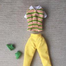 Barbie y Ken: CONJUNTO DE ROPA PARA BARBIE PANTALON CAMISA ZAPATOS BAMBAS. Lote 84447172