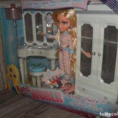 Barbie y Ken: MUÑECA BRATZ WORLD LA CASA DE CLOE, NUEVA MGA. Lote 90211784