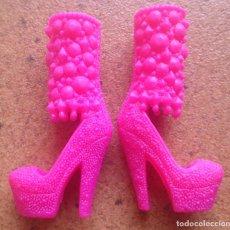 Barbie y Ken: BARBIE FASHIONISTAS FASHIONISTA ZAPATOS ROSAS ORIGINALES . Lote 91933580