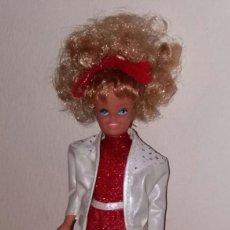 Barbie y Ken: MUÑECA BARBIE SKIPPER DIAMANTES DE CONGOST MATTEL SPAIN AÑOS 80 COMPLETA CON CAMARA, BOLSA Y CUENTO. Lote 93775415