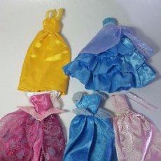 Barbie y Ken: BARBIE LOTE DE ROPA, VESTIDOS PRINCESAS DISNEY 04. Lote 103773864
