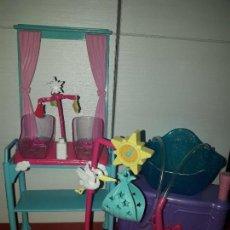 Barbie y Ken: ACCESORIOS BEBE PARA MUÑECA BARBIE ENFERMERA O MAMA MATTEL MUÑECAS SIMILARES CHABEL, SINDY VER FOTOS. Lote 96223147