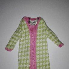 Barbie y Ken: ABRIGO DE MUÑECA BARBIE VINTAGE CBV1. Lote 96440191