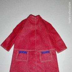Barbie y Ken: ABRIGO DE MUÑECA BARBIE VINTAGE CBV1. Lote 96441175