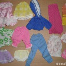 Barbie y Ken: SUPER LOTE DE ROPA DE MUÑECAS SINDY PETRA Y SIMILARES. Lote 101487967