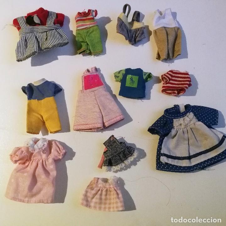 ANTIGUO LOTE DE TRAJECITOS DE MUÑECAS AÑOS 90 (Juguetes - Muñeca Extranjera Moderna - Barbie y Ken - Vestidos y Accesorios)