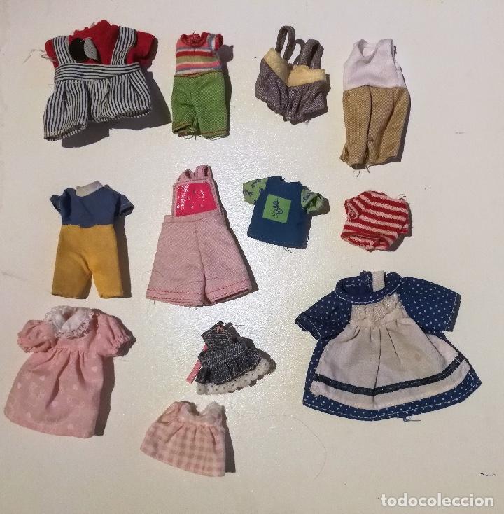 Barbie y Ken: ANTIGUO LOTE DE TRAJECITOS DE MUÑECAS AÑOS 90 - Foto 3 - 103861811