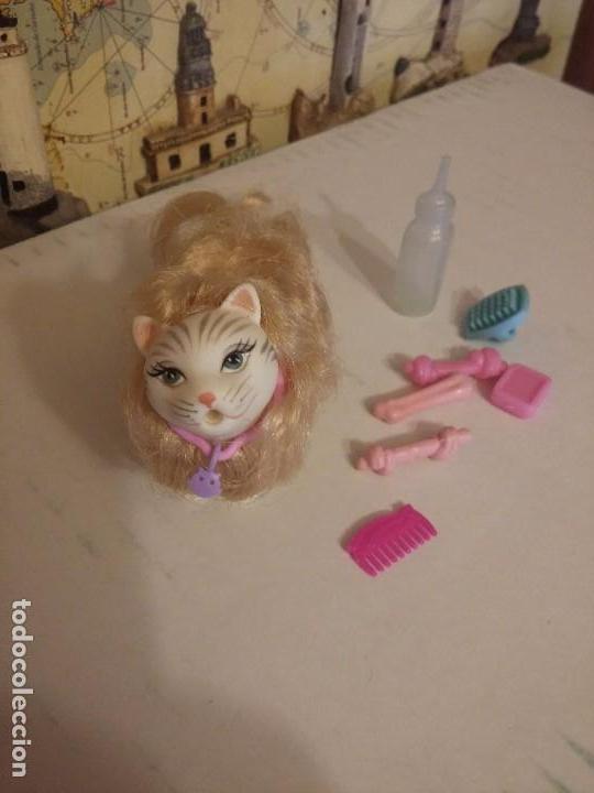 GATITA DE BARBIE CON ACCESORIOS (Juguetes - Muñeca Extranjera Moderna - Barbie y Ken - Vestidos y Accesorios)
