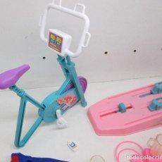 Barbie y Ken: ACCESORIOS GIMNASIO DE BARBIE, MATTEL 1989. Lote 105086487