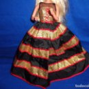 Barbie y Ken: BARBIE - BONITO VESTIDO BARBIE COMO NUEVO, VER FOTOS Y DESCRIPCION! SM. Lote 105308035
