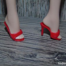 Barbie y Ken: PAR DE ZAPATOS PARA MUÑECA BARBIE TOP MODEL MODELO BASIC. Lote 110156899