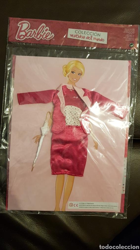 Barbie y Ken: Barbie colección vestidos del mundo Inglaterra en su blíster original sin abrir - Foto 2 - 110711250