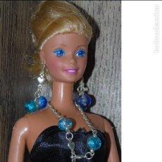 Barbie y Ken: COLLAR AZULB+ PENDIENTES HECHO A MANO PARA MUÑECA BARBIE, BLYTHE, LIV, MONSTER HIGH, SINDY. Lote 113035515