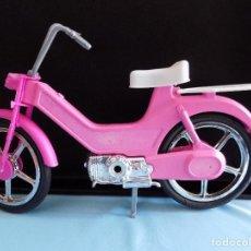 Barbie y Ken: ANTIGUA MOBILETTE PARA BARBIE. Lote 113120847