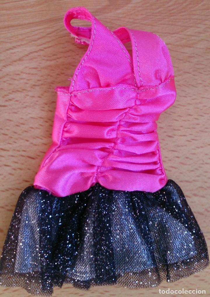 Vestidos de color rosa y negro