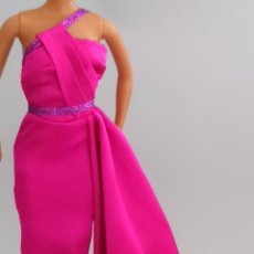 Barbie y Ken: VESTIDO LARGO BARBIE MARILYN MONROE. Lote 119048595