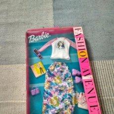 Barbie y Ken: VESTIDO BARBIE FASHION AVENUE AÑO 2002. Lote 121016055