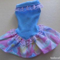 Barbie y Ken: VESTIDO BARBIE MATTEL ETIQUETA MORADA. Lote 122682491