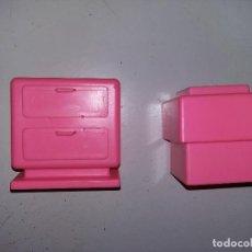 Barbie y Ken: PIEZAS MESITA Y TABURETE DE TOCADOR DE BARBIE ANTIGUO AÑOS 80. Lote 125227943