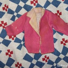 Barbie y Ken: ANTIGUA ROPA BARBIE CHAQUETA ROSA TACTO MELOCOTÓN ORIGINAL AÑOS 80/90. Lote 125254195