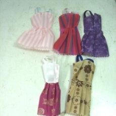 Barbie y Ken: 5X VESTIDOS TELA PLASTICA VERANO -PARA MUÑECA BARBIE - NUEVOS CORTO FALDA VESTIDO CONJUNTO 7 . Lote 126380007