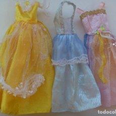 Barbie y Ken: LOTE DE 3 VESTIDOS LARGOS DE PRINCESA O SIMILAR DE BARBIE. Lote 128306567
