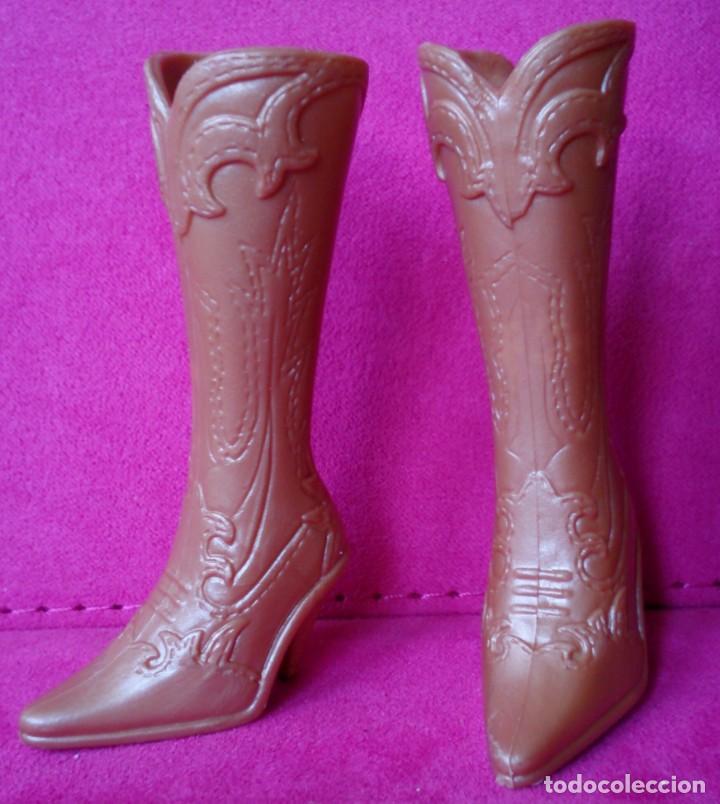 68af155c24 botas vaqueras altas originales muñeca barbie