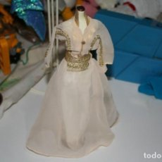 Barbie y Ken: BARBIE COLECCION SALVAT VESTIDOS INOLVIDABLES . Lote 133143414