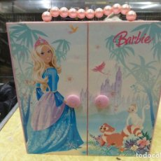 Barbie y Ken: ARMARIO JOYERO MUSICAL BARBIE. Lote 215469457