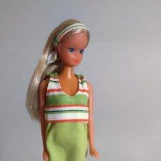 Barbie y Ken: MUÑECA BARBIE VESTIDA CON BEBE . Lote 134822994