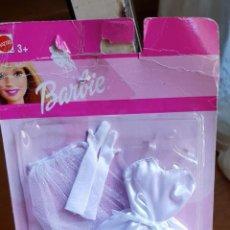 Barbie y Ken: ANTIGUO VESTIDO MUÑECA BARBIE AÑO 2002. Lote 134856870