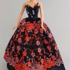 Barbie y Ken: BARBIE ROPA VESTIDO FIESTA LARGO. Lote 135069998